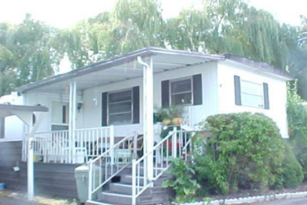 Royalwood-Mobile-Home-Park-Lynnwood-WA